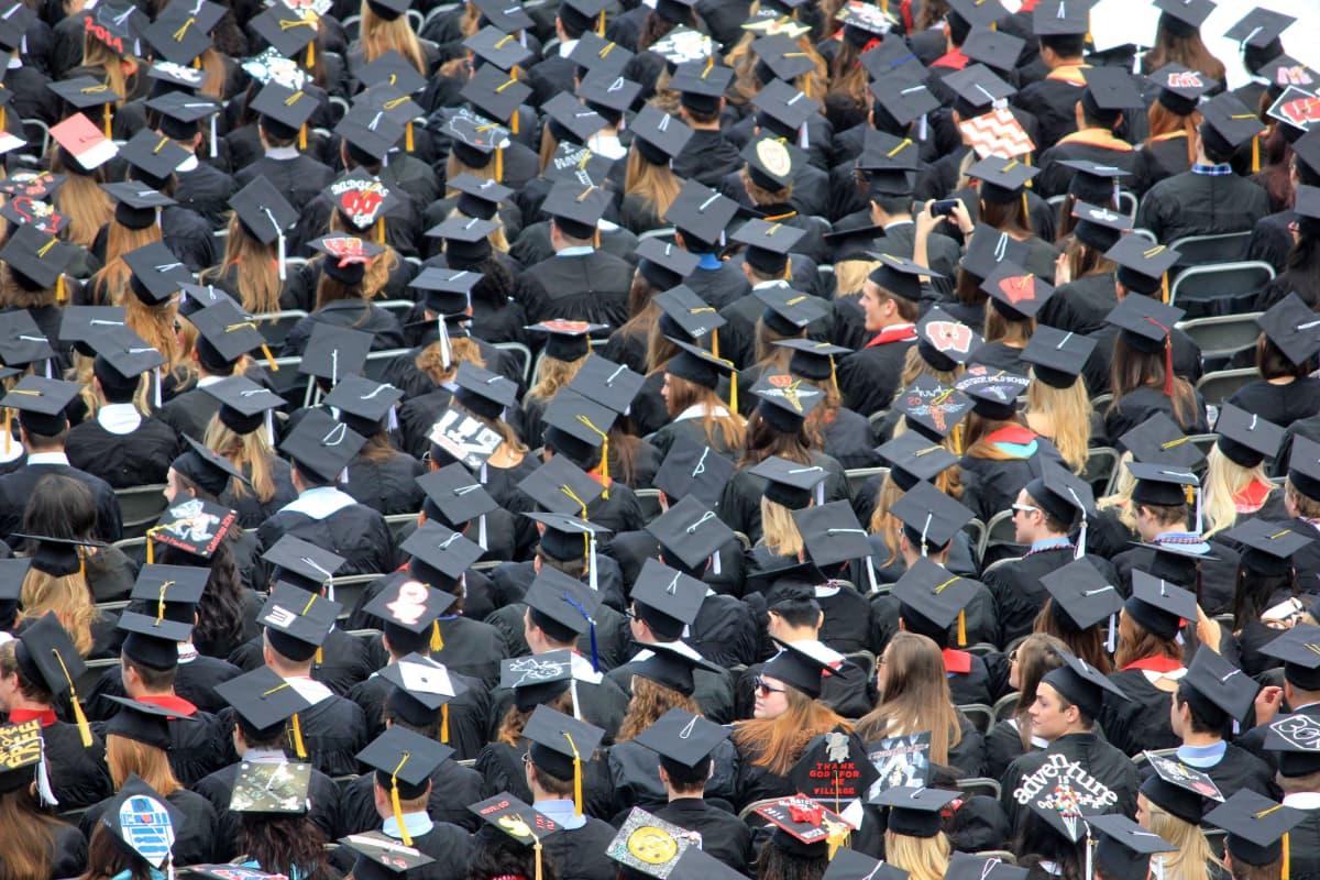 学生を卒業すると良くも悪くも自由になる