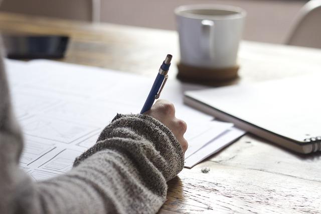 思いつく目標を紙に書き出してみましょう!