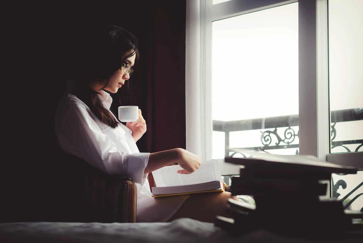 読書をする