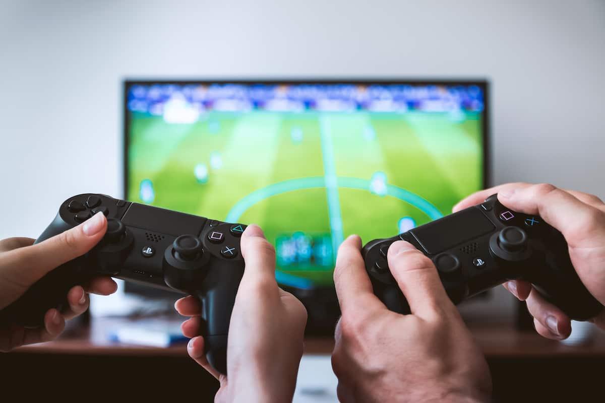 テレビやスマートフォンでのゲーム